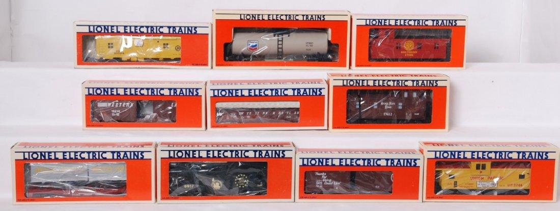10 Lionel freight cars 19214, 9471, 19706, etc