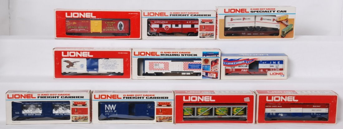 10 Lionel freight cars 9779, 9319, 9128, etc