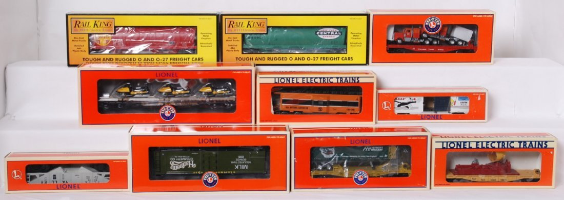 10 Lionel and Railking freight cars 16434, 26057, 52333
