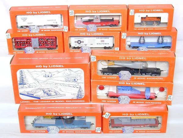 20: Large lot of Lionel HO trains in OB's