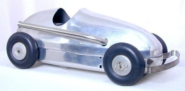 24: Winzeler Mfg. Woodette air powered racer,