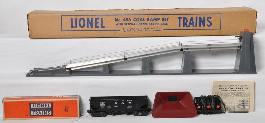 Lionel 456 coal ramp w/3456 N&W, Dark Gray in OB