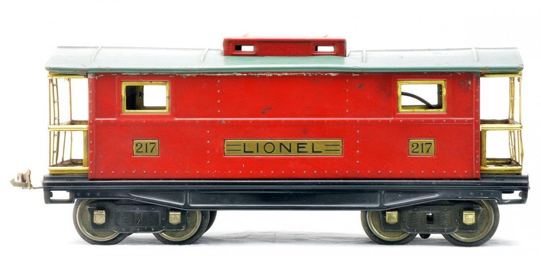 Lionel 217 Red Caboose w/Peacock Roof