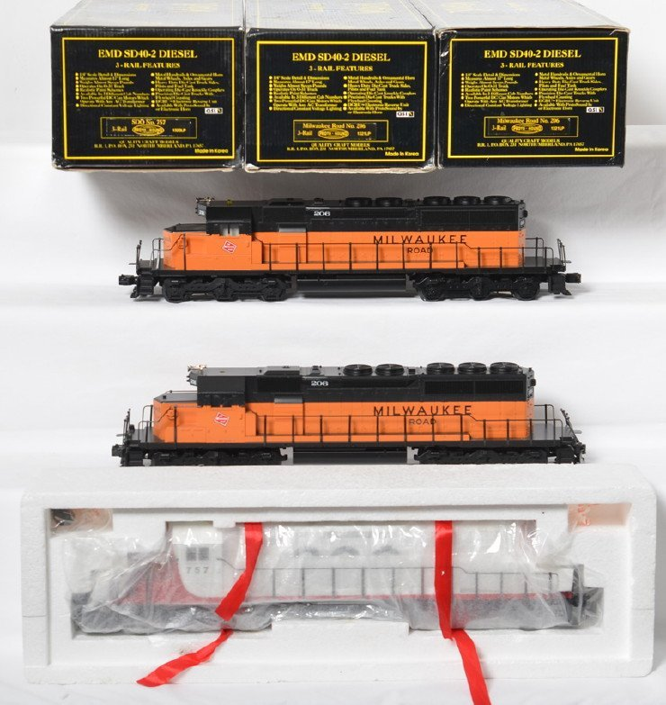 3 Weaver SD40-2 locos Soo and Milwaukee Road with Proto