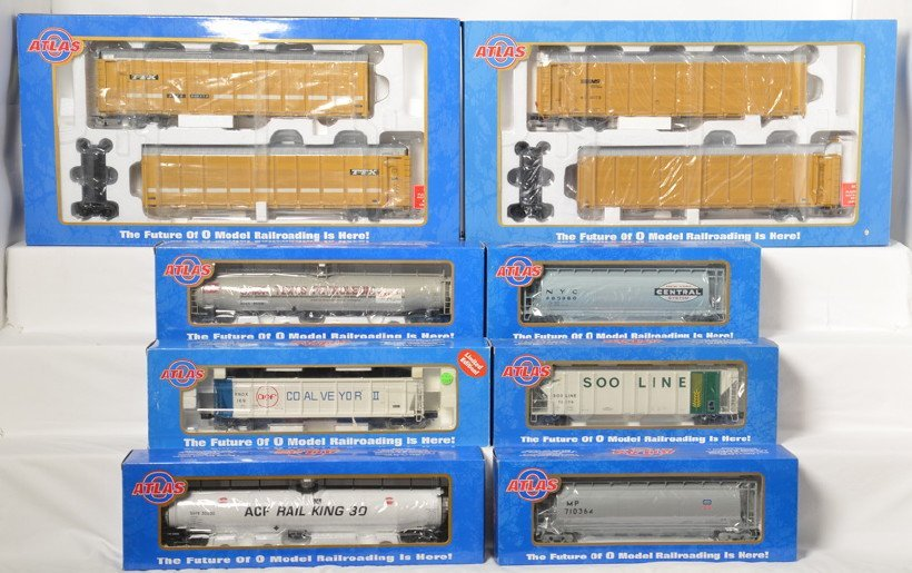 6 Atlas O articulated auto racks and freight cars
