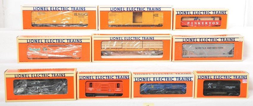 10 Lionel freight cars 17223, 16682, 16397, etc