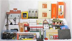 Large group of O gauge accessories, etc. Lionel Weaver,