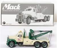 First Gear 48-0029 1960 Mack B-Model Tow Truck in OB