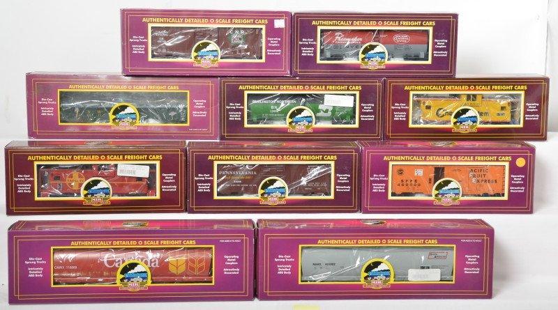 10 MTH freight cars Chessie, PRR, SF, etc