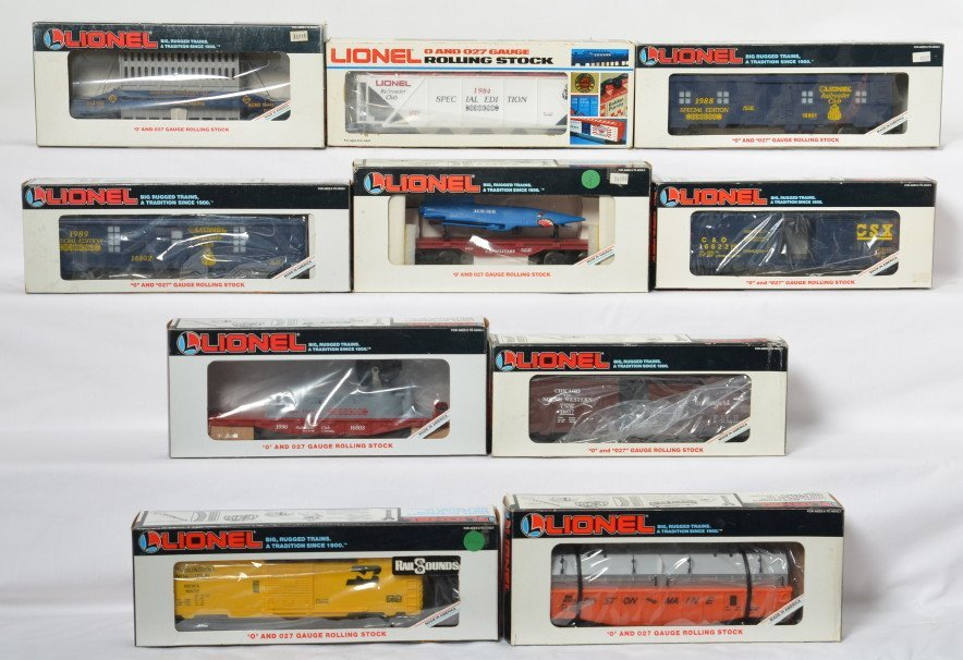 10 Lionel cars LRRC, Burlington Northern with
