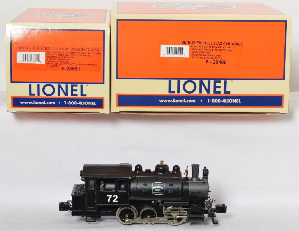 Lionel Bethlehem Steel loco and slag cars