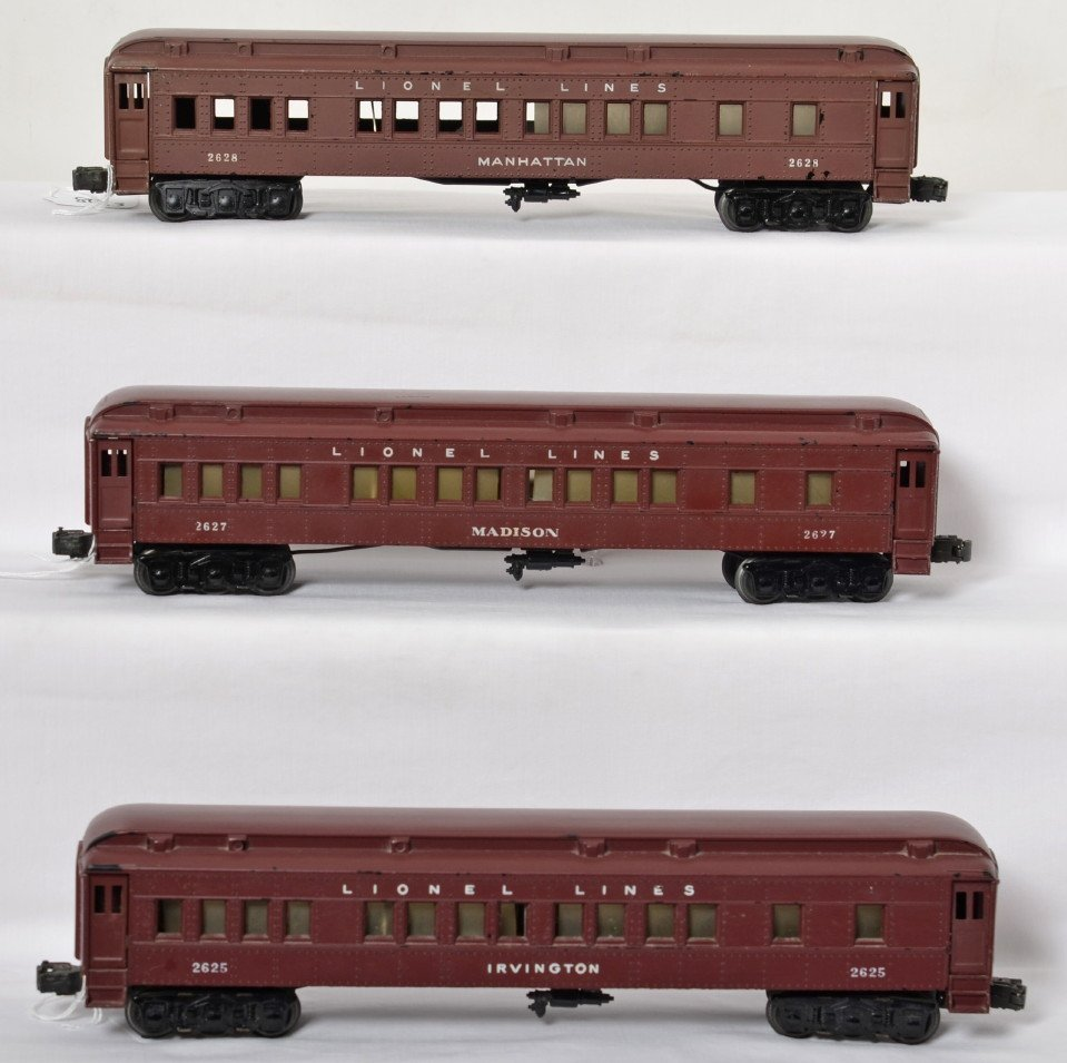 Lionel 2625, 2627, 2628 Madison style passenger cars