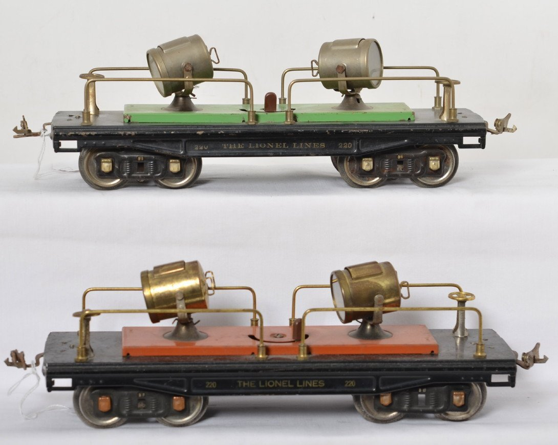 Lionel 220 searchlight cars, green and terra cotta