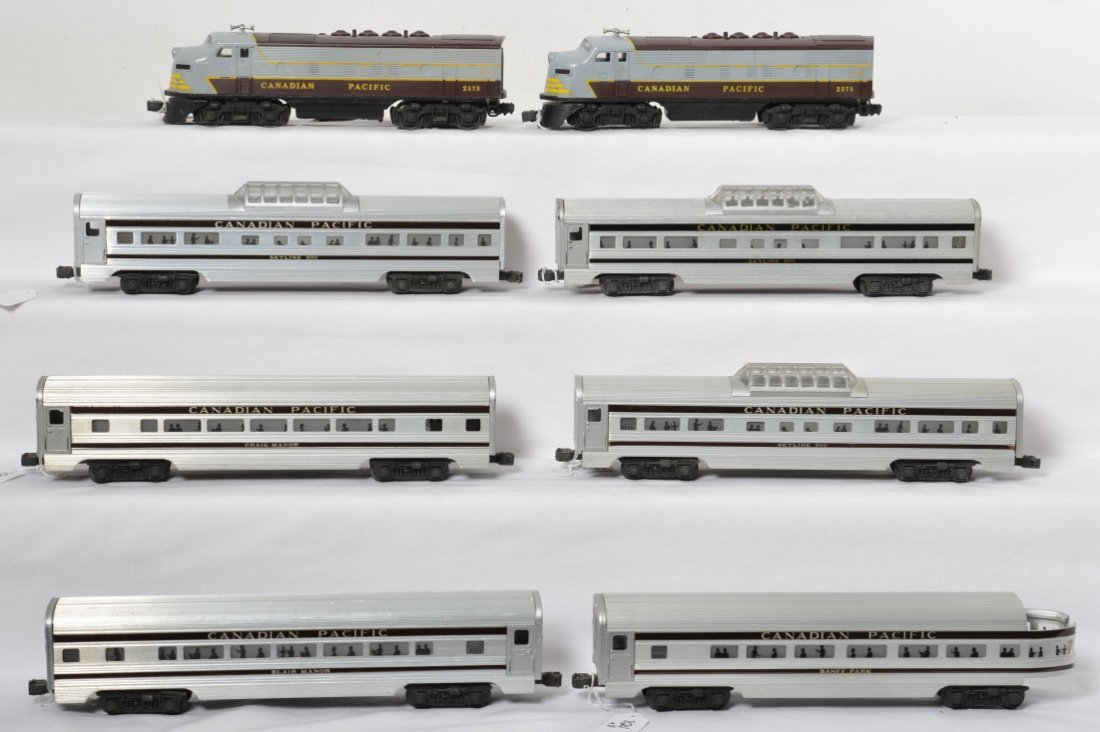 Lionel 2373 Canadian F3 A-B with six passenger cars