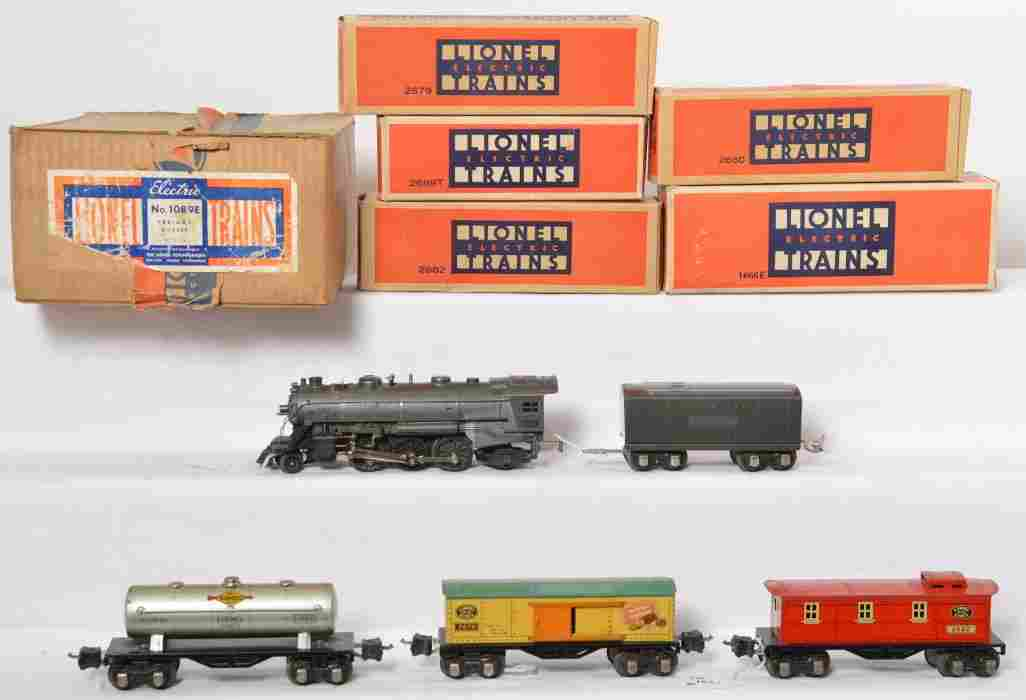 Lionel No. 1089E freight outfit, 1666E, 2689T bronze GM