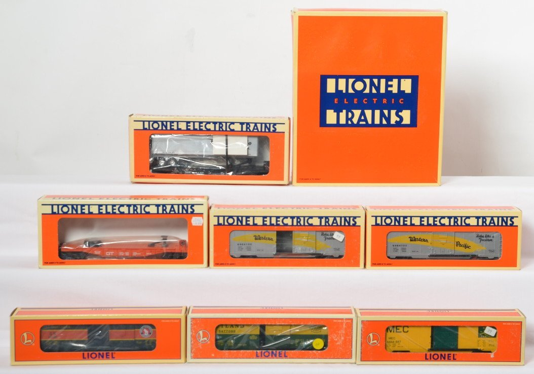 10 Lionel freight cars 52040 19259, 52040, 16374 29210
