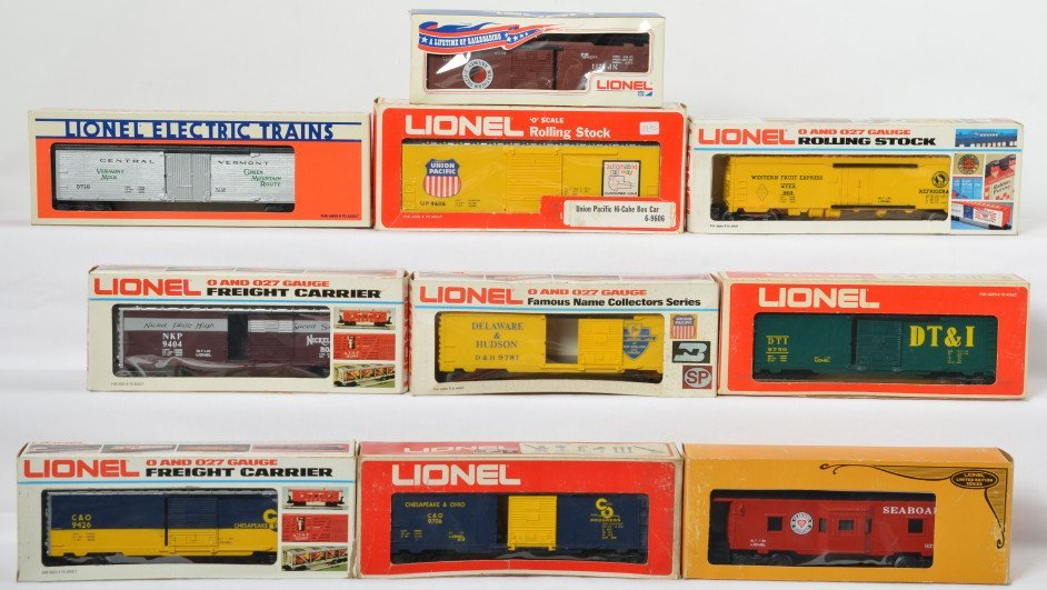 10 Lionel freight cars 5716, 9750, 9372, 9606, 9426,