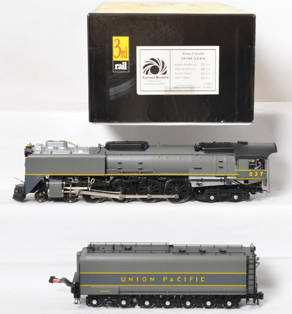 3rd Rail Union Pacific FEF-3 grey in service with TMCC