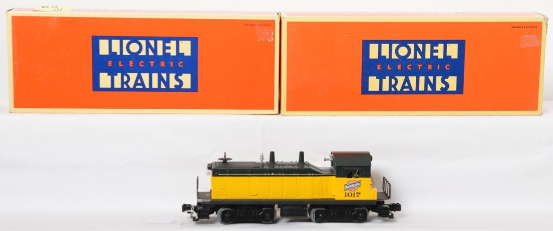 Lionel 18921 C&NW NW-2 switcher and calf