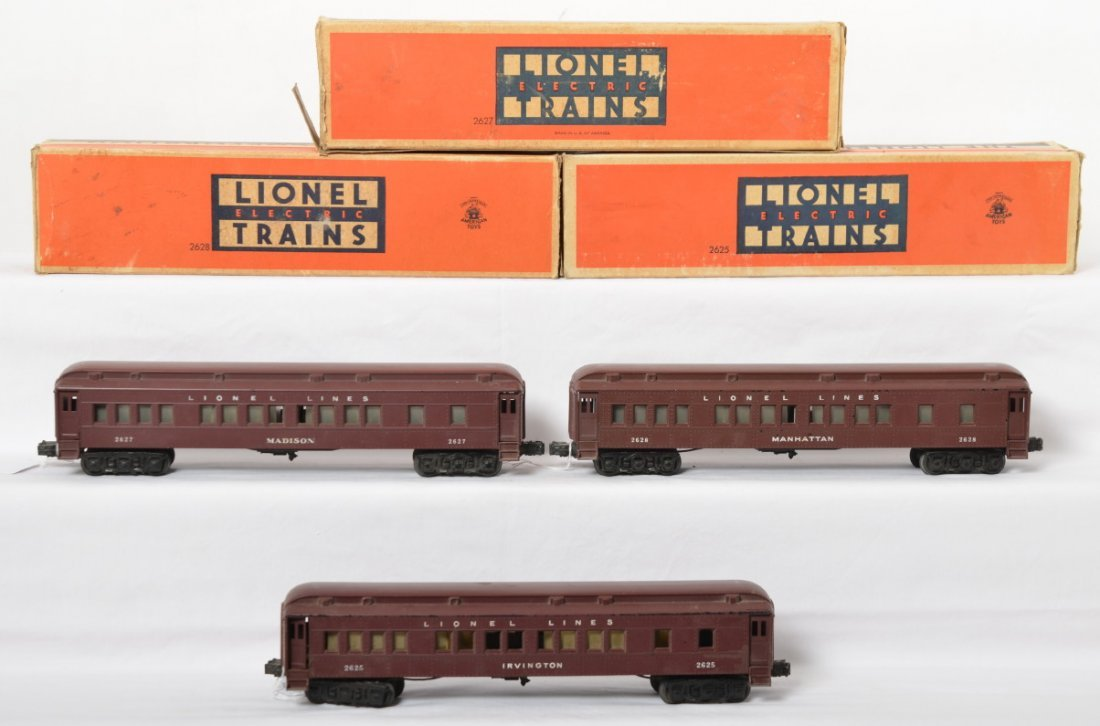 Lionel 2625, 2627, and 2628 Madison cars in OB