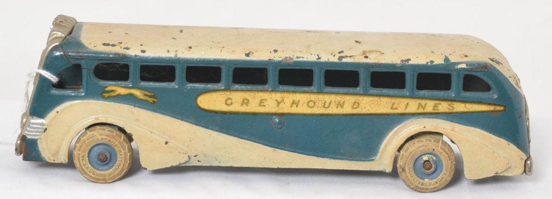 Arcade cast iron Greyhound Lines Bus 438 8-7/8î