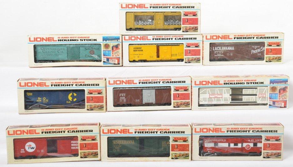 10 Lionel freight cars 5700, 9443, 9408, 9445, etc
