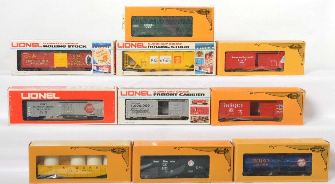 10 Lionel freight cars 7702, 9734, 9331, 9384, etc