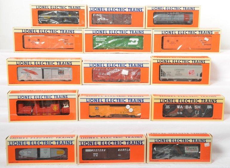 15 Lionel freight cars 17305, 52023, 19603, 52135, etc