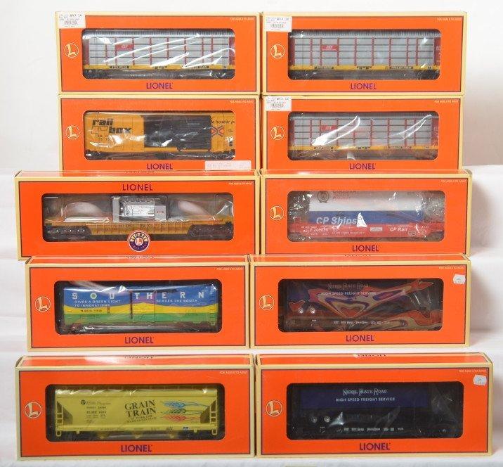 10 Lionel freight cars 36093, 52195, 26949, etc
