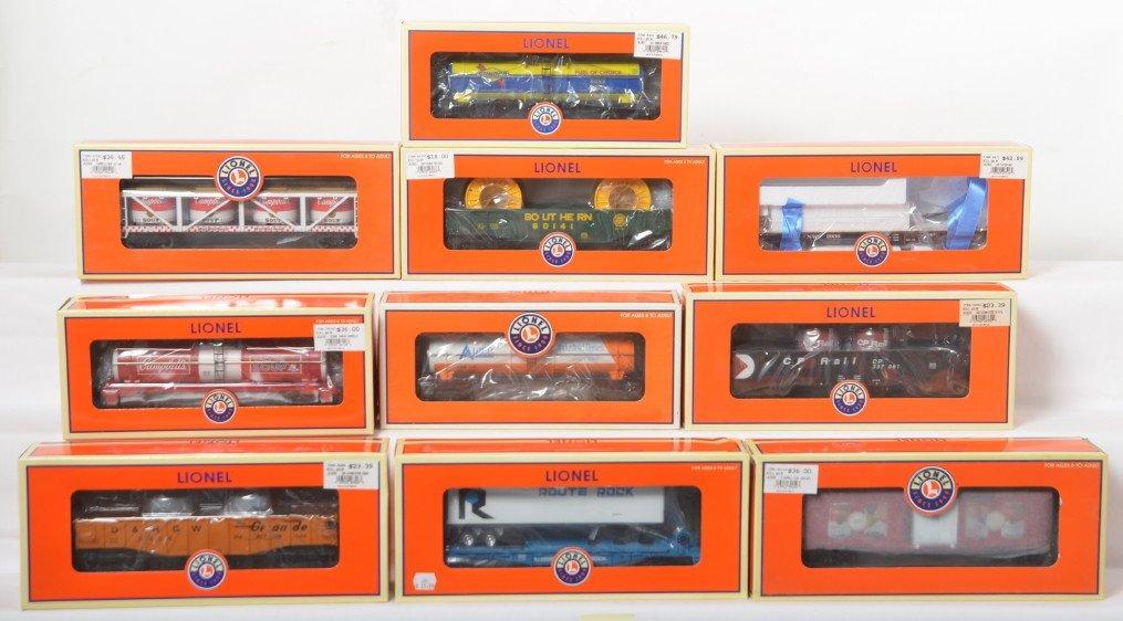 10 Lionel freight cars 26306, 26332, 26064, etc