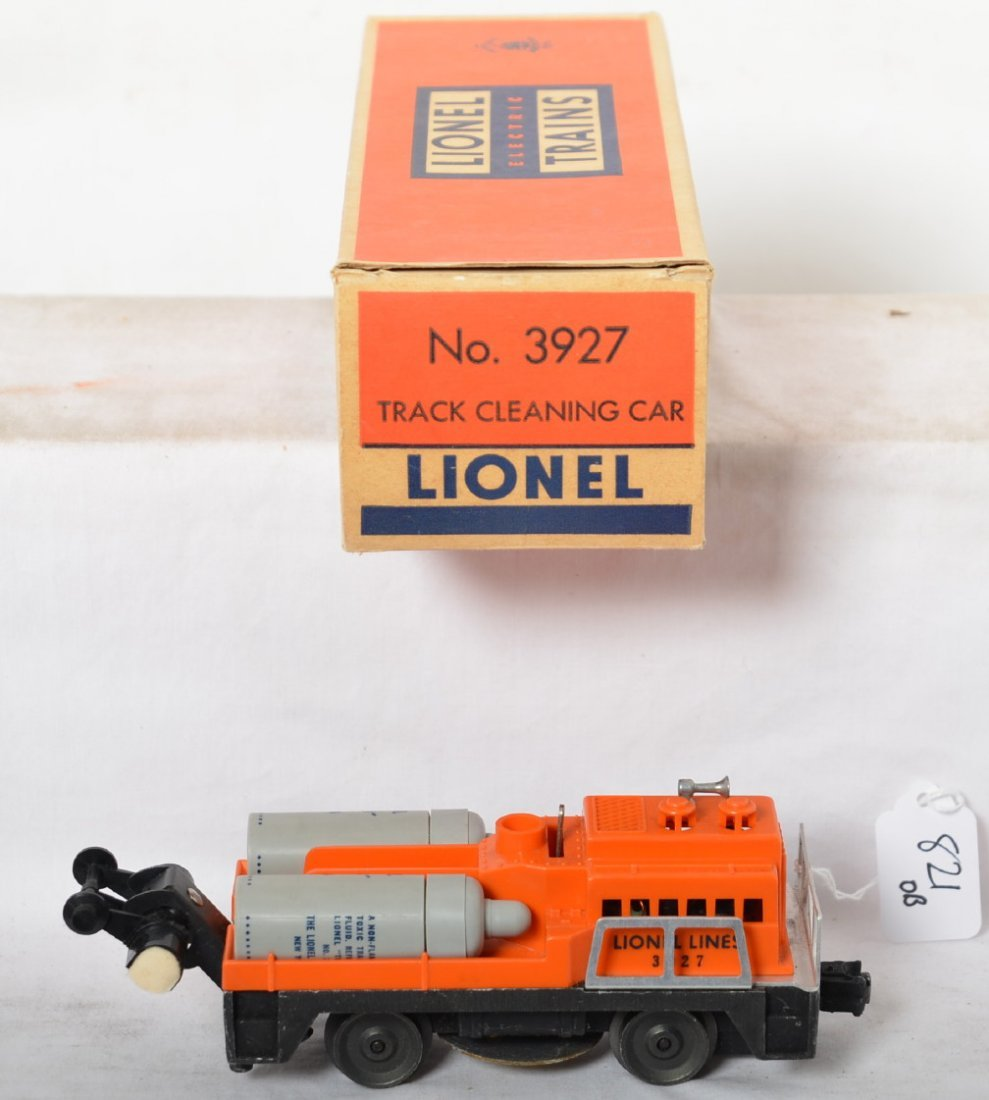 Lionel 3927 Track Cleaning car in OB