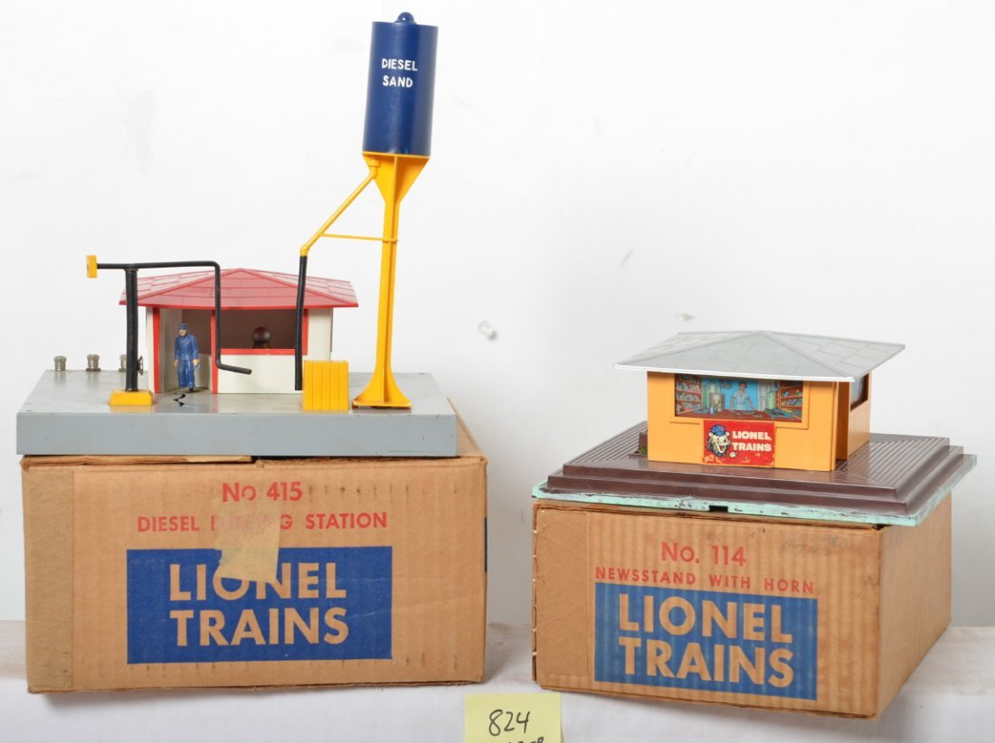 Lionel 415 diesel fueling station and 114 newsstand