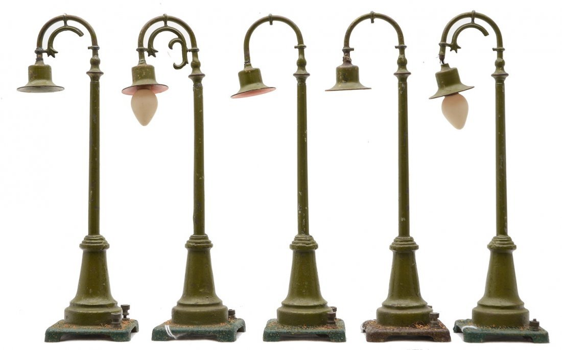 Lionel five 59 Olive Green Lamp Posts