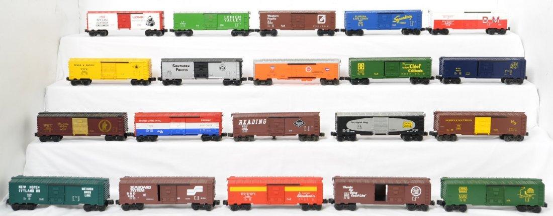 20 Lionel boxcars 9462, 0780, 9465, etc