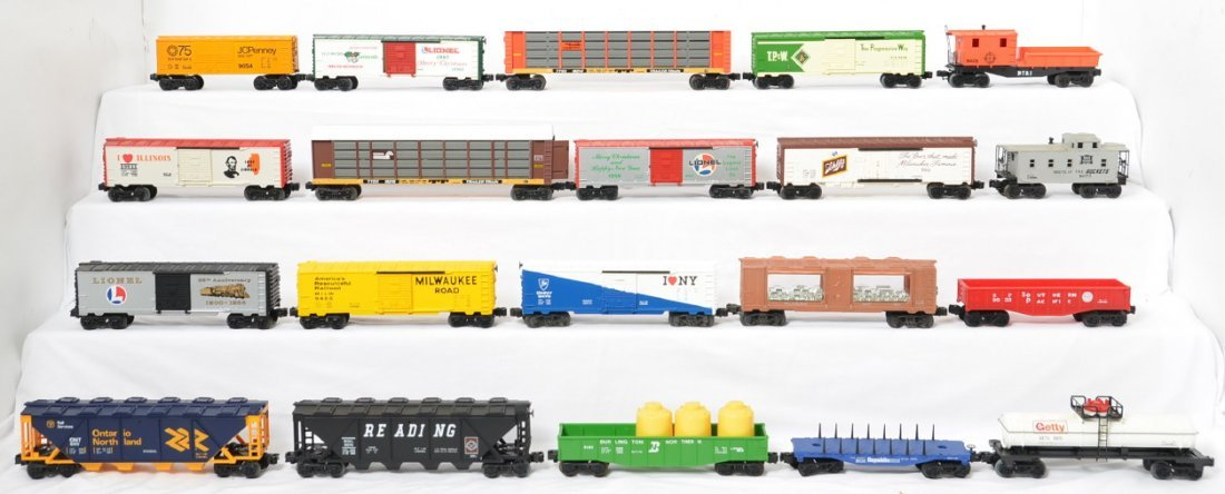 20 Lionel freight cars 16215, 19903, 9851, etc