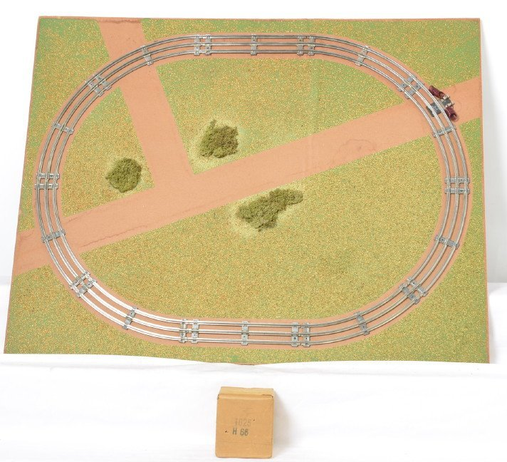 Lionel 1-D 476 Display dealer/service station layout in