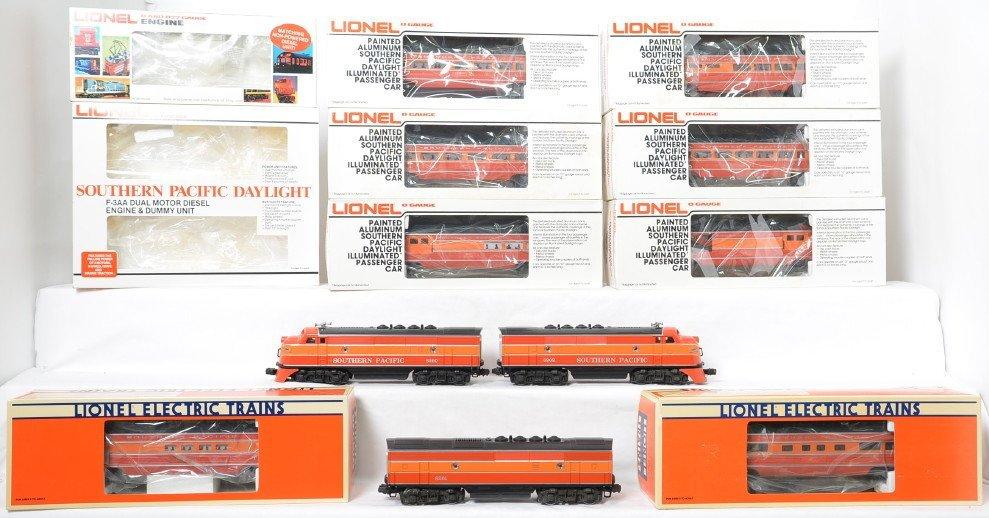 Lionel Southern Pacific Daylight passenger set