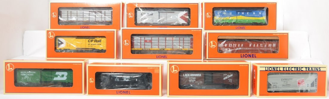 10 Lionel freight cars 29251, 36029, 36093, 17260