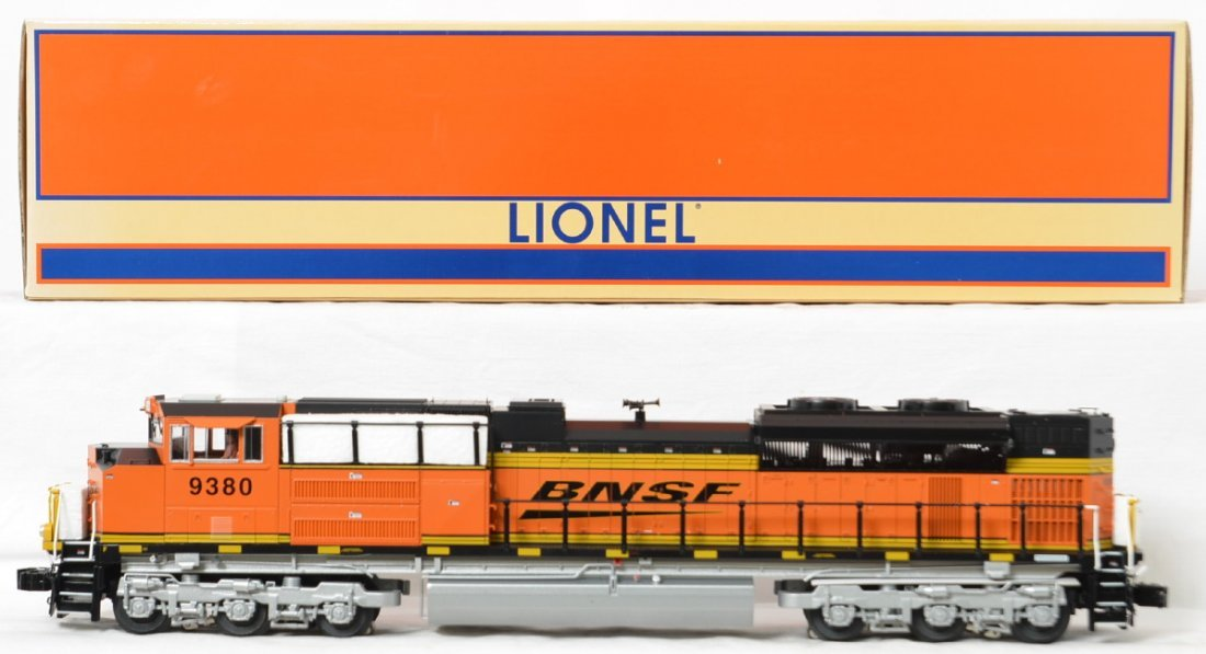 Lionel BNSF SD70ACe with Legacy 28302