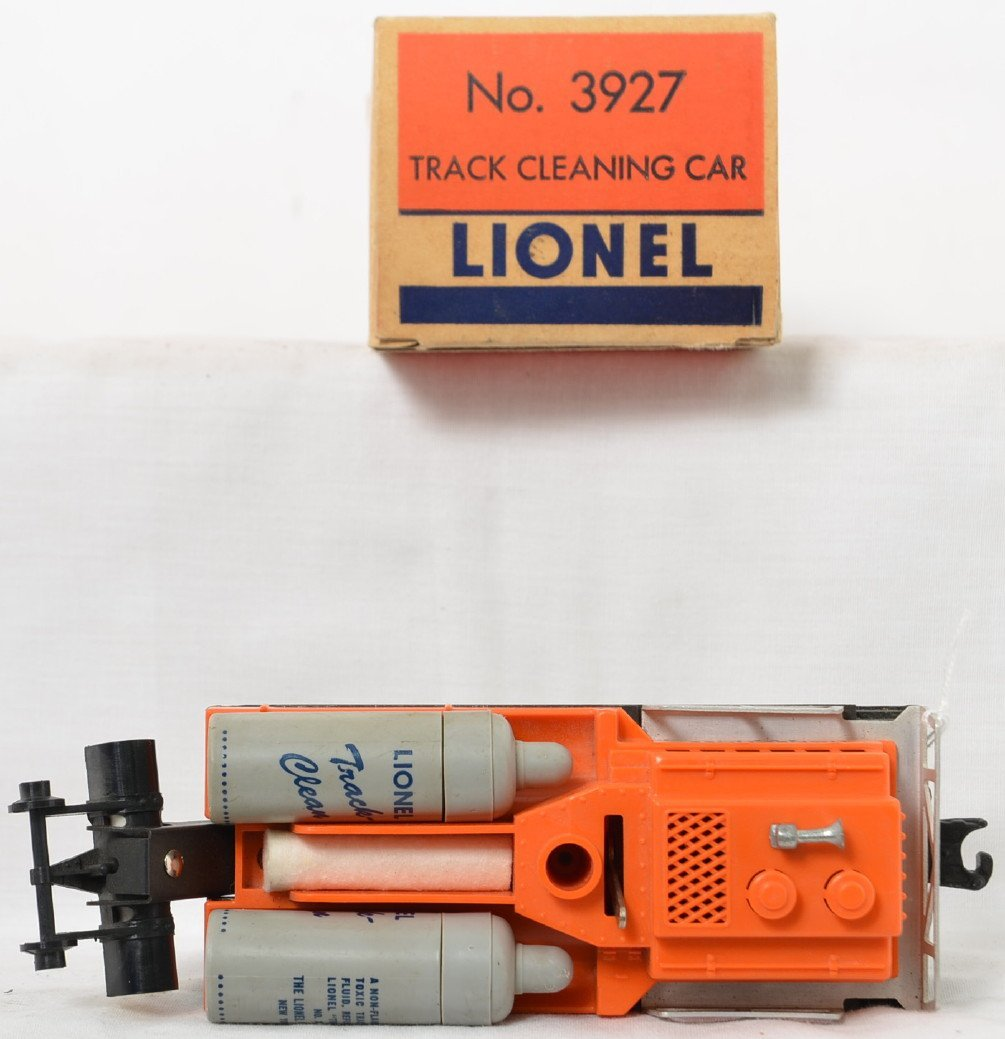 Lionel Postwar O gauge 3927 track cleaning car in OB - 3