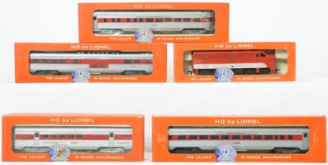 Lionel Postwar HO gauge Texas Special Alco & passenger
