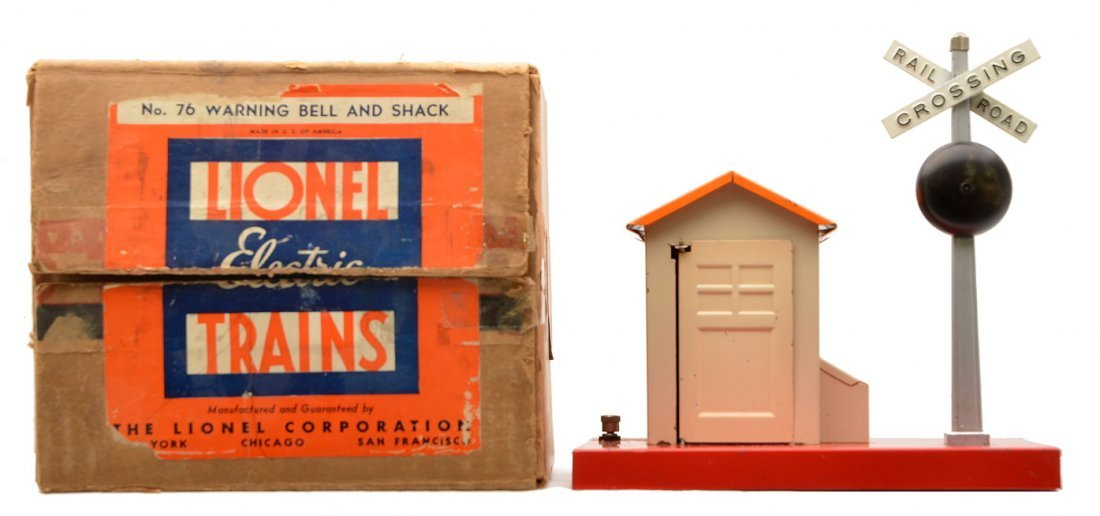Lionel Prewar 76 Warning Bell and Shack Boxed