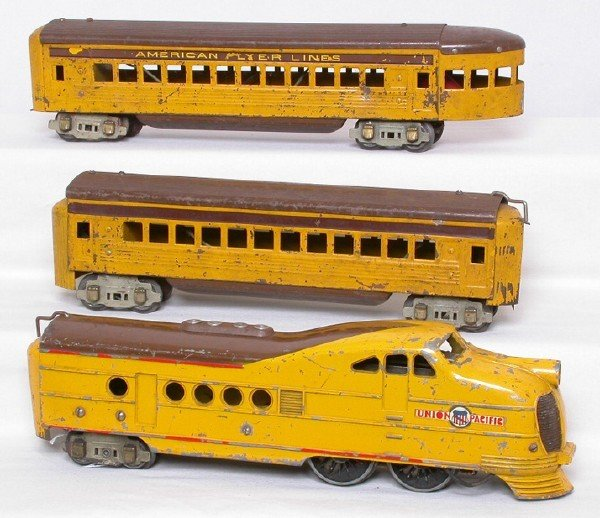 17: American Flyer Union Pacific streamliner set