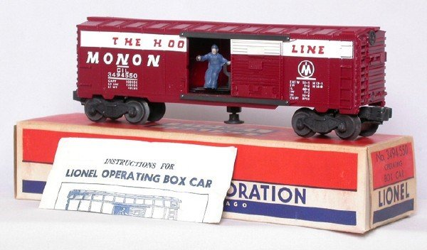 704: Mint Lionel 3494-550 Monon operating boxcar, OB