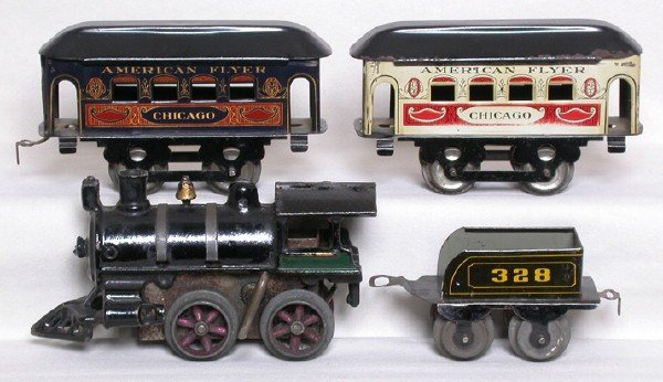 612: Early American Flyer wind up set Chicago cars