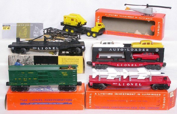 13: Lionel freight cars 3370 6414 6819 6823 6828 OBs