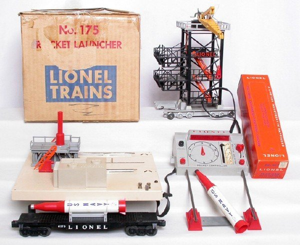 17: Lionel 175 rocket launcher w/ 6175 flatcar, OBs