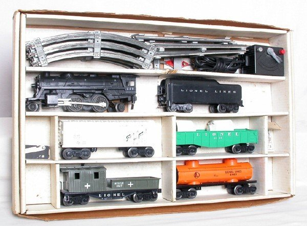 165: Lionel 19391 freight set w/ 239 6119-125 olive