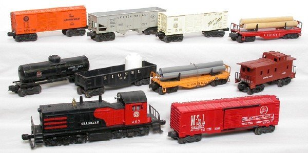 2021: Lionel 602 Seaboard NW2 switcher freight set