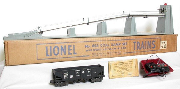 2604: Lionel 456 Coal ramp set with 3456 Hopper Boxed